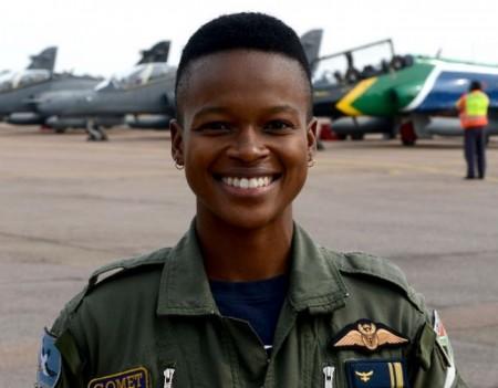 South Africa's first black woman combat fighter pilot Mandisa Mfeka   Image: Twitter/Mandisa Mfeka